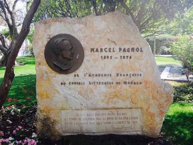 Stèle du Square Marcel Pagnol avec citation